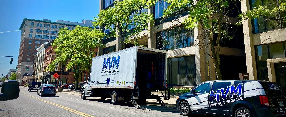MVM Moving offers long distance moving services anywhere inside the United States. We can help you with the entire moving process from scheduling your move to packing your goods and finally moving into your new home.